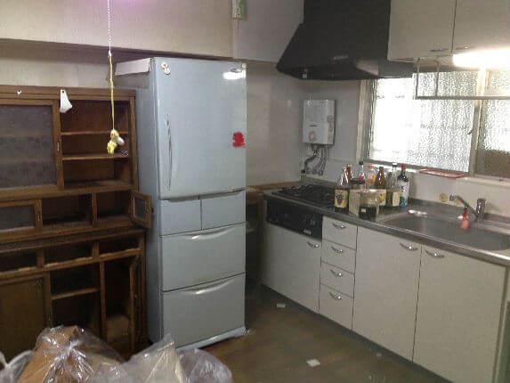 キッチン右側途中2